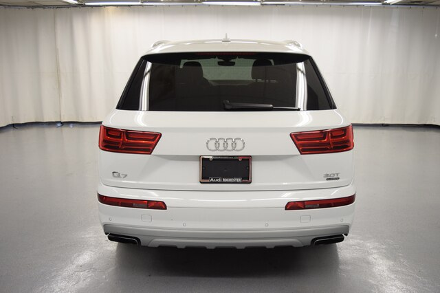 Pre-Owned 2017 Audi Q7