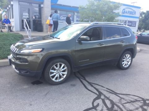 Pre-Owned 2015 Jeep Cherokee Limited & 4WD
