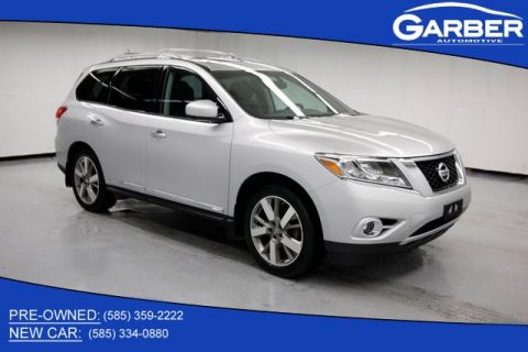 Pre-Owned 2014 Nissan Pathfinder Platinum & 4WD